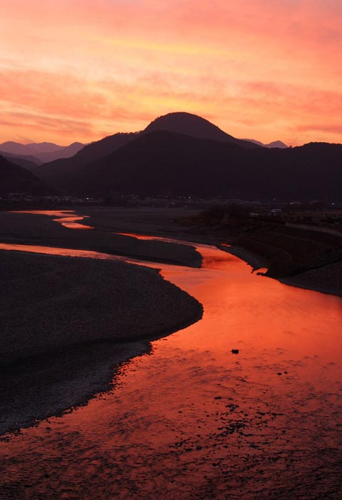 熊野川の夕陽 Sunset view at Kumanogawa River
