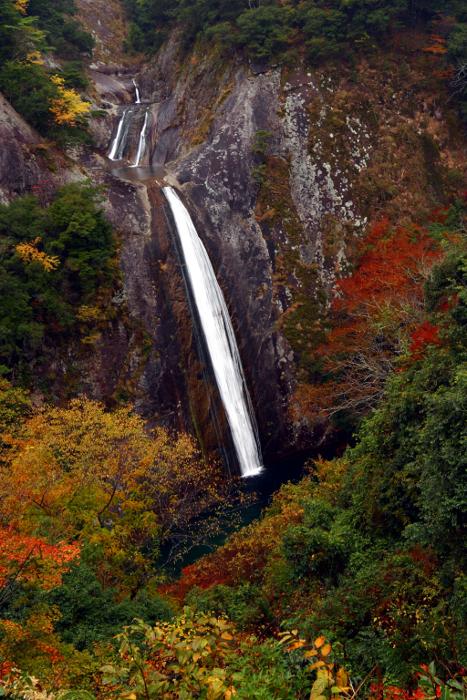 熊野市「布引の滝」 Nunobiki-no-Taki fall at Kumano City