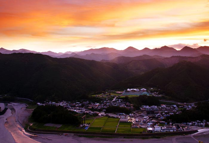 大斎原の夕陽 Sunset view of Ohyunohara